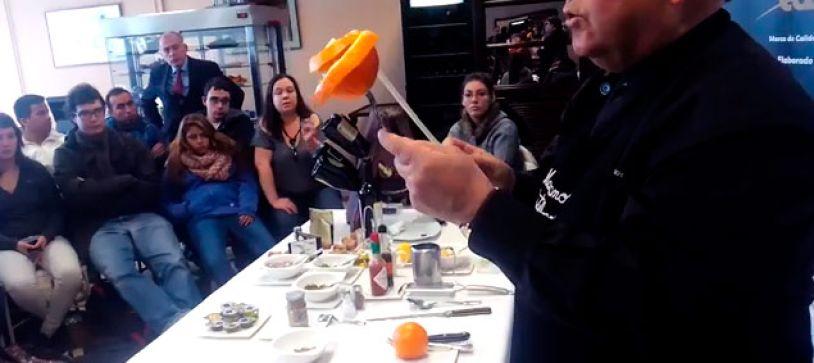 Como pelar y gajear una naranja como un profesional