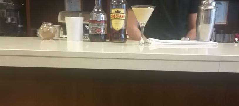 Como preparar un Cocktail Alexandra